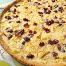 Apfelkuchen mit Rahmguss und Cranberries
