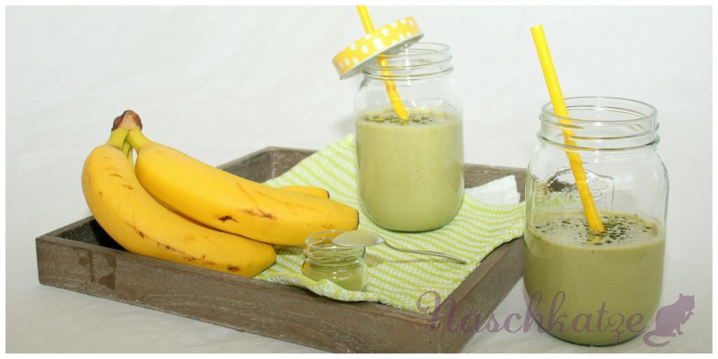 Matcha-Bananen-Kefir mit Zimt