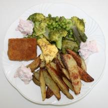 Tofuschnitzel Ofenpommes, Dipp & Gemüse