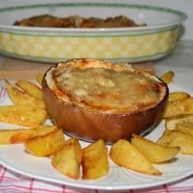 Gefüllte Aubergine mit Harissa & Kartoffelecken