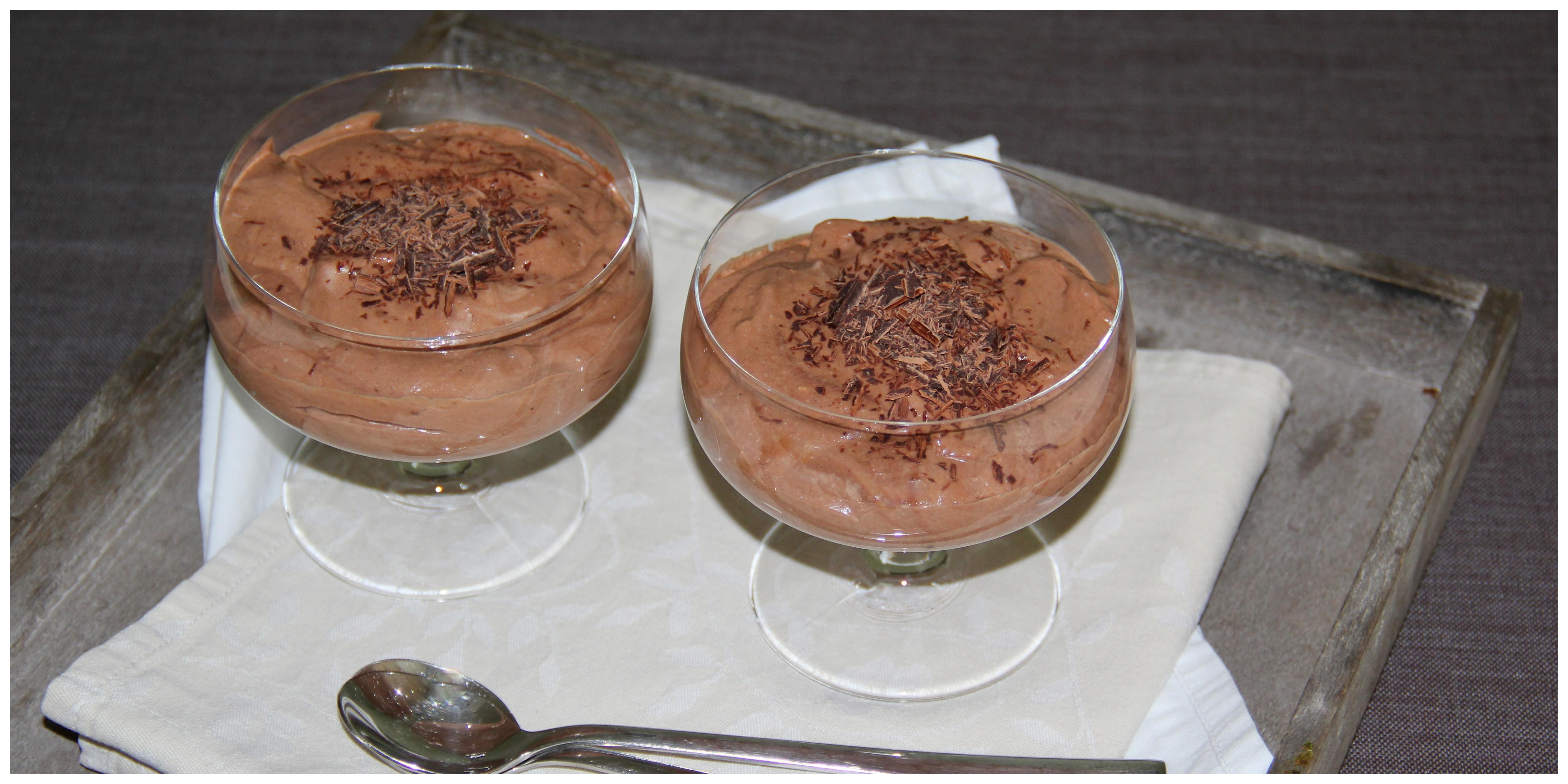 ein traum von schokolade vegane mousse au chocolat naschkatze. Black Bedroom Furniture Sets. Home Design Ideas