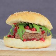 Burger mit Provolone & Preiselbeeren GALERIE
