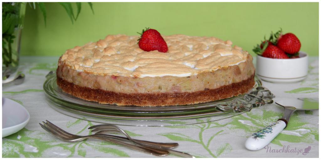 Rhabarber-Kompott-Kuchen mit Baiser