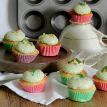 Vegane Zitronencupcakes mit Basilikumcreme