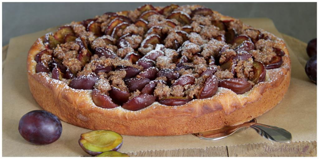 Zwetschgenkuchen nach Omas Rezept mit Mandelzimtstreuseln