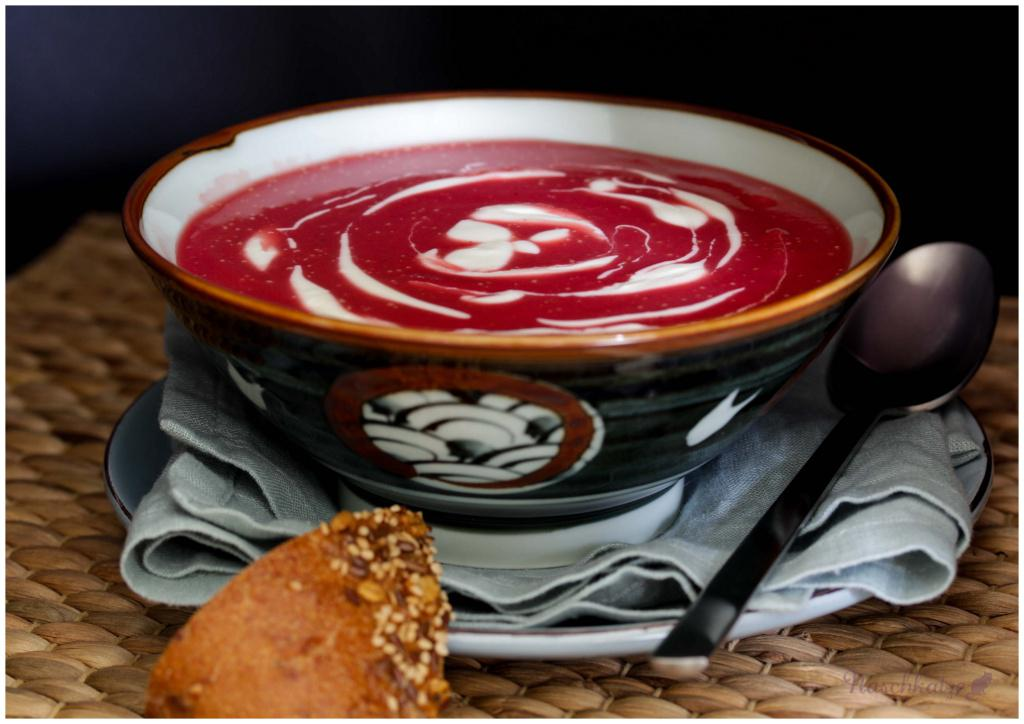 Rote Beete-Kartoffel-Suppe mit Meerrettich (1)