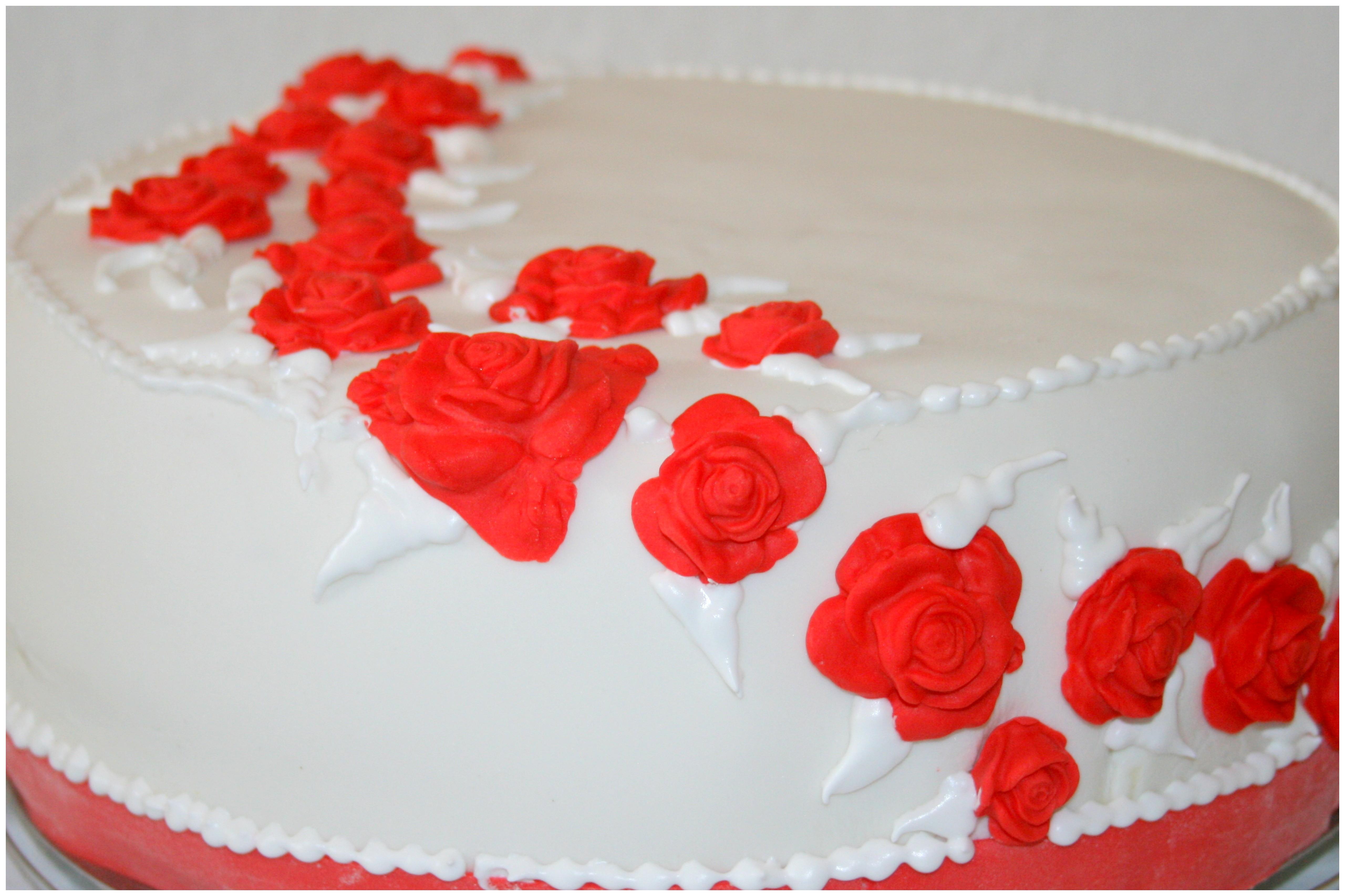 Frische Zitronencreme Torte Im Brautkleid Naschkatze