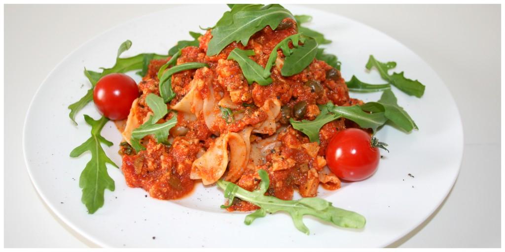 Pasta Mediterraneo mit Oliven, Tofu, Kapern und Rucola2