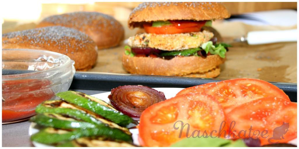 Veganer Tofuburger mit veganem Brötchen2