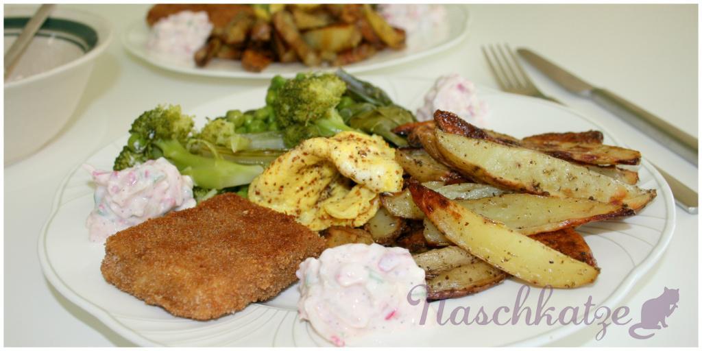 Tofuschnitzeln, würzige Backofen- Fritten, grünes Gemüse & Soyade- Dipp mit R