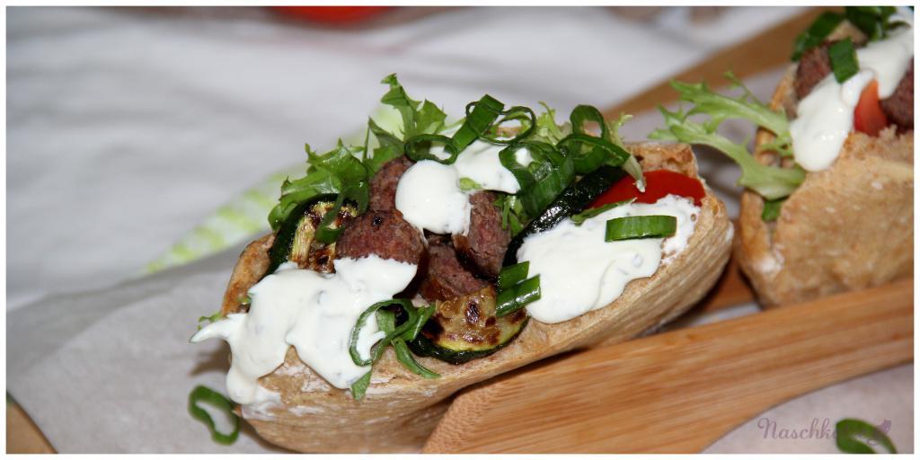Grill-Döner mit Zucchini und Kräuterquark (3)