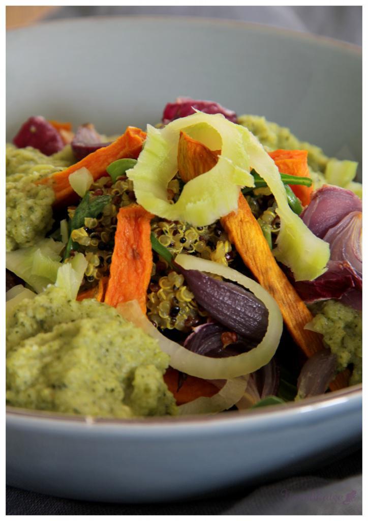 quinoa-mit-3-gemuesen-und-brokkolisosse