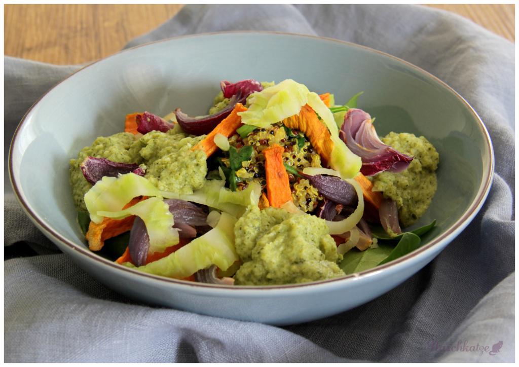 quinoa-mit-3-gemuesen-und-brokkolisosse1