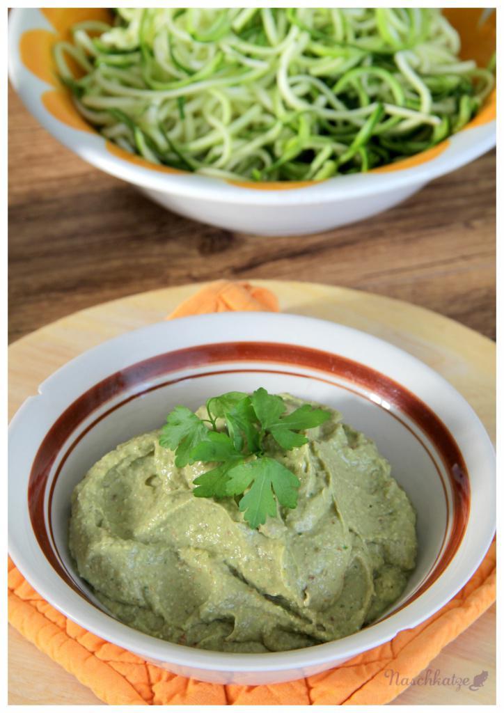zucchini-spaghetti-mit-avocado-pesto2